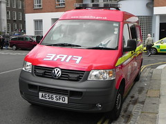 London Fire Brigade | Volkswagen Transporter | Fire Investigation Unit | Dowgate | AE56 SFO (EmergencyVehiclePics1) Tags: new blue rescue london race fire lights pier video amazing call respect bell fast run led pump yelp and leds service ladder brand command siren lambeth brigade callout shout unit 999 wail on the bullhorn twotone lifesavers strobes airhorn lfb