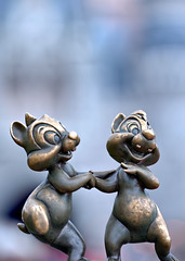 Chip & Dale Are So Happy (#2) (Express Monorail) Tags: travel vacation sculpture usa statue bronze hub america happy orlando nikon soft dale florida bokeh availablelight details disney chip theme characters orangecounty wdw waltdisneyworld kissimmee themepark chipmunks shallowdepthoffield mainstreetusa chipanddale cartooncharacters lakebuenavista cinderellacastle baylake reedycreek disneypictures nikkor70200f28 disneyparks expressmonorail disneyphotos d3s joepenniston disneyphotography disneyimages