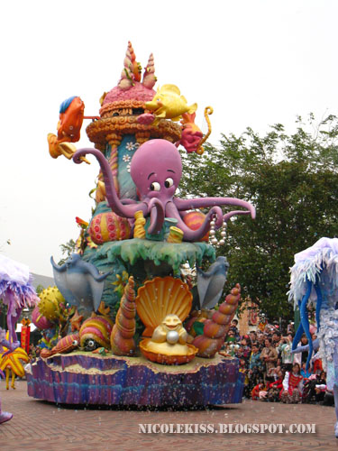 under the sea parade car