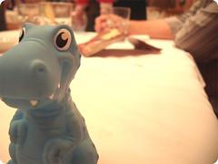 Baby Toy! (Bruna Lacrout ) Tags: azul pizzaria beb plastico prima milena babytoy dinossauro