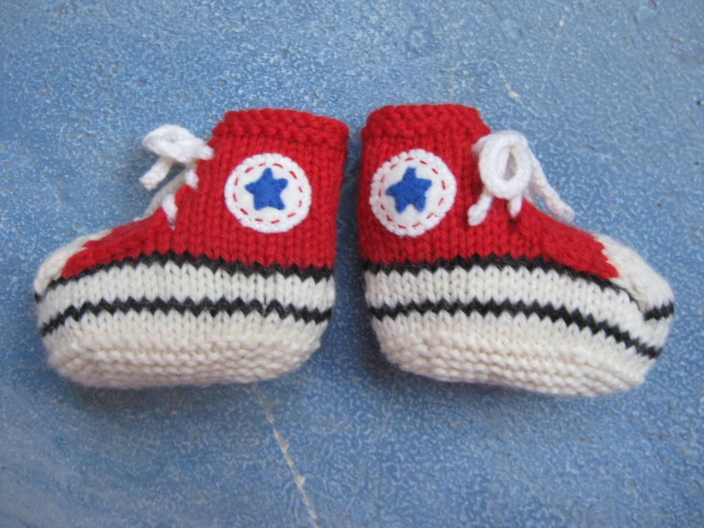 Converse Baby Booties KnitHacker
