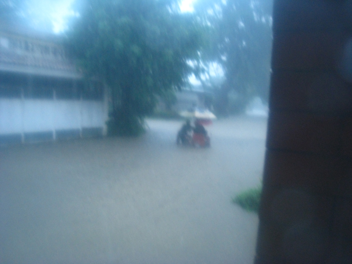 Cainta floodwaters rising