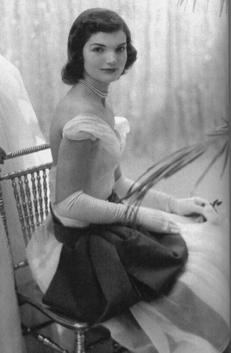 jackie kennedy onassis fashion. Jackie Kennedy Onassis