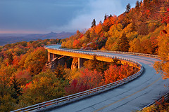 Linn Cove Viaduct (Ben_D) Tags: road bridge autumn mountain fall sunrise highway d70s northcarolina viaduct explore blueridgeparkway grandfathermountain tanawhatrail linncoveviaduct linncove