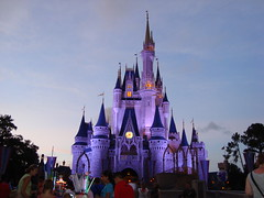 Cinderellas Castle by night 4 (lilimachadohistoriadora) Tags: usa orlando florida disney disneyworld eua magickingdom estadosunidos cinderela cinderellascastle castelodacinderela lilimachado
