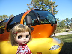 Isobel visits the Oscar Meyer Wienermobile.
