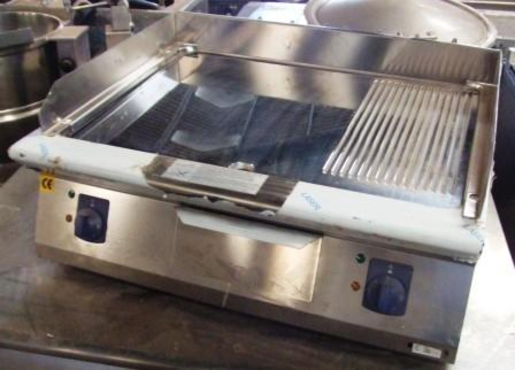 ELECTROLUX Chrome Topped Ribbed & Flat Griddle