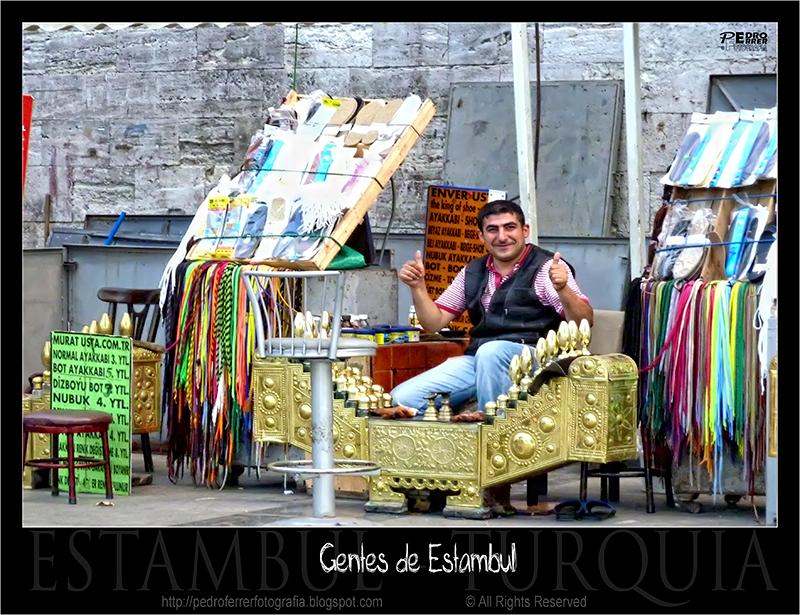 Gentes de Estambul - El limpiabotas fotogénico