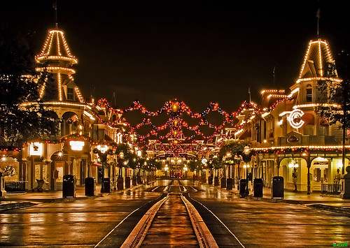 A Tranquil Christmas on Main Street, USA