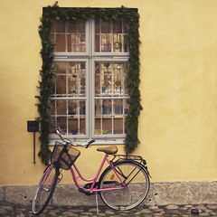 colorful (Karin A ~) Tags: pink bike yellow gteborg nikon colorful 5018 kronhusbodarna soulfulactionsandtextures soulfuldawn