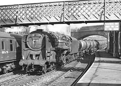 Class 9F no.92103. Bromsgrove station. 2 March 1963 (ricsrailpics) Tags: uk bw steam freight 1963 2100 bromsgrove class9f exbr tankstrain