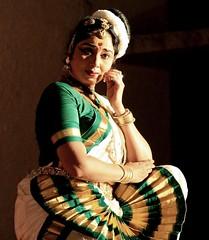 . (rowhith) Tags: music woman india green art beauty canon eos dance arts culture kerala grace story classical tradition krishna saree graceful sari cochin kochi mohini southindia varma dances mudra gopika mohiniyattam mohiniattam 40d mohiniattom mohiniyattom srimad bhagavatha keraladance gopikavarma sathram srimadbhagavathasathram keralafolkdance keralafolk