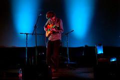 ERLEND OYE (CHICA DE METAL) Tags: music concert live musica erlendoye vainilla chicademetal javieramenacinenormandie martes22diciembre nikond80ceciliasandoval