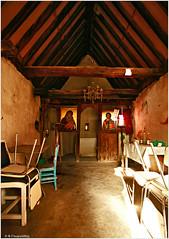 Εσωτερικό ναού Αγίας Παρασκευής, Τρεις Ελιές