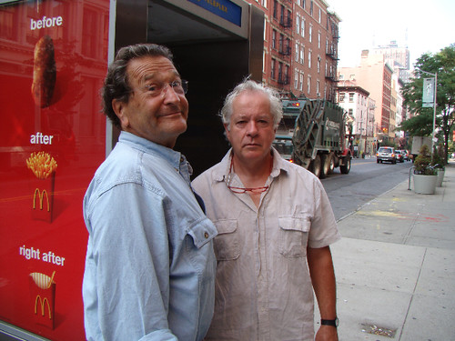 Ernst Aebi mit seinem Besten Freund Fritz in New York.