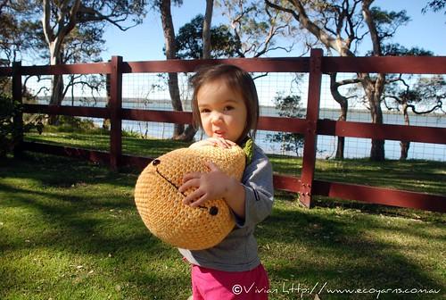 Ysoline Cuddling Amigurumi Pear