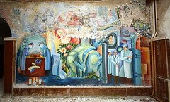 Abandoned Russian Hospital @Teupitz (joaobambu) Tags: art abandoned hospital mural peeling kunst flash nostalgia soviet russian blitz 580ex ussr teupitz