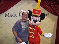 Me and Band Leader Mickey at the D23 Expo (Loren Javier) Tags: me disney mickeymouse anaheim d23 disneycharacters bandconcert anaheimconventioncenter disneylandcharacters waltdisneycompany disneylandcastmembers lorenjavier d23expo