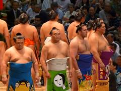 Montagnes du Japon, de Bulgarie, et de Mongolie... (Petit Page) Tags: nagoya  sumo japon sumotori