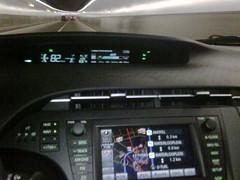 In de tunnel gaan de lichten van de nieuwe #Prius en de nachtweergave automatisch aan. Eindelijk!