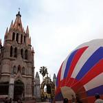 San Miguel de Allende: Parroquia y globo
