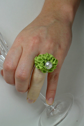 Green ribbon ring