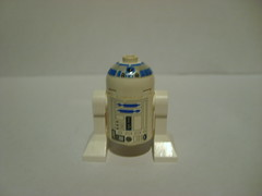 11_ R2D2 (Alexander's Lego Gallery) Tags: light storm trooper bike rebel star ship desert lego space luke battle walker solo darth empire saber jedi stormtrooper anakin spaceship lightsaber wars vader vulture clone pilot sith han droid speeder chewbacca leia blaster skywalker rebels galactic organa speederbike