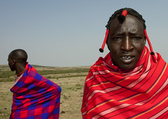 Maasai men - Kenya (Eric Lafforgue) Tags: africa portrait people face kenya culture tribal human tribes afrika tradition tribe ethnic kenia tribo gens visage headdress afrique headwear ethnology headgear tribu eastafrica quénia 8229 lafforgue ethnie ケニア quênia كينيا 케냐 кения keňa 肯尼亚 κένυα ethhnic кенија humainpersonne кенијa