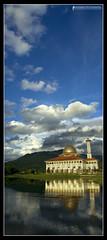 Fatamorgana! (AnNamir c[_]) Tags: sky moon water mosque m