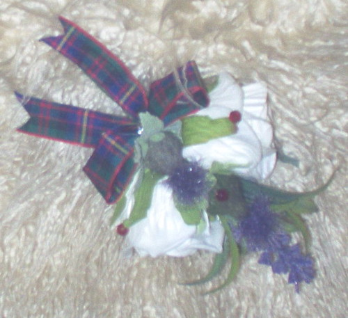 *luke 204 bh*double rose/thistle scottish buttnhole errachct tartan by you.