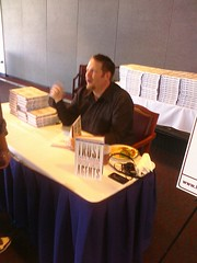 @chrisbrogan signing books ay #ims09