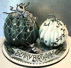 Black & White Pumpkins (New Rosebud) Tags: cake decoration