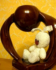 Зайку бросила хозяйка (The knitted hare sits)