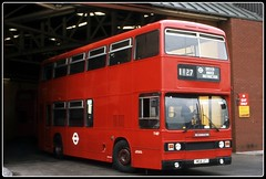 Not What It Seems. (Zippy's Revenge) Tags: london titan westmidlands leyland parkroyal londontransport londonbuses 7002 wmpte trainingbus wda2t passengertransportexecutive driverunderinstruction t1127 tnlxb1rf