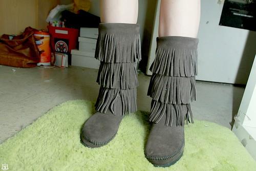 boots minnetonka moccasins