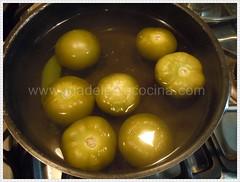 Cociendo los tomates y el chile