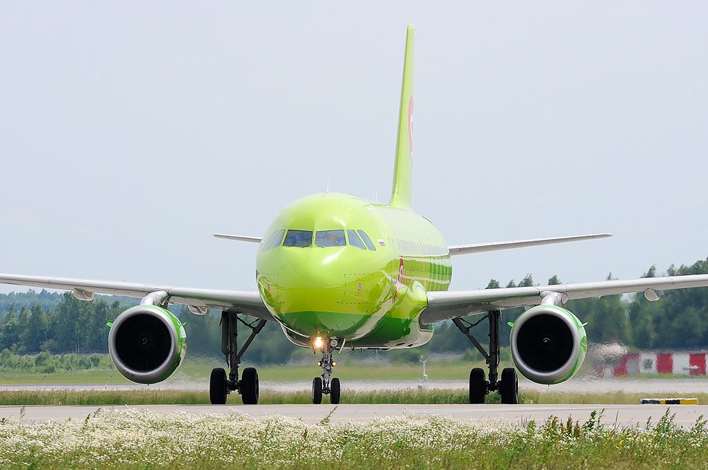 S7 - Siberia Airlines VP-BHG Airbus A319-114