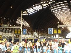 200907042 London Paddington Station (taigatrommelchen) Tags: 20090727 uk london cityofwestminster urban architecture railway railroad station train