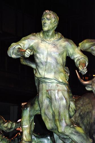 «Monumento al Encierro» en la Avenida de Roncesvalles.
