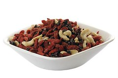 Navitas Naturals Trail Power gojis and cacao nibs