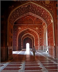 in the Taj Mahal Mosque (Z Eduardo...) Tags: india architecture asia searchthebest interior tajmahal mosque unesco worldheritagesite islamic platinumheartaward betterthangood