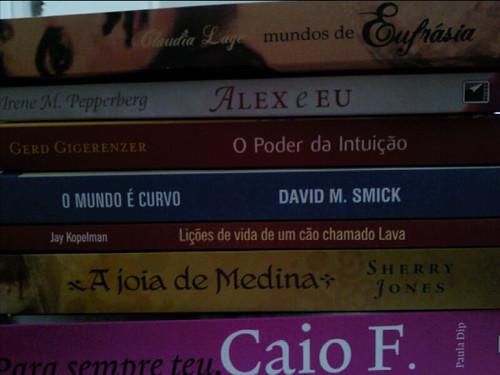 Novos livros por você.