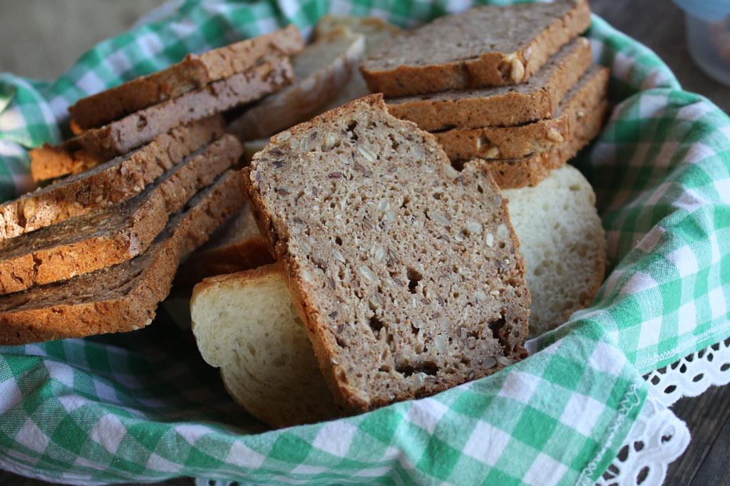 Frisches selbst gebackenes Brot von Inrid ... ein Gedicht!