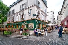 Barri de Montmartre de Paris (Jordi A.S.) Tags: travel vacation paris france architecture vacances arquitectura nikon frana 18200 2009 agost d300 viatjar nikond300 jordias