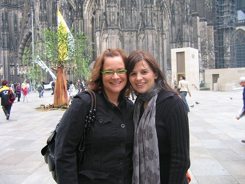 Ilka and I in front of the Kölner Dom