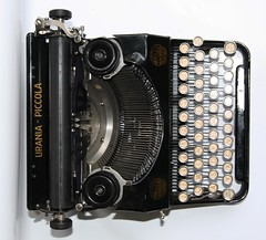 Urania Piccola typewriter