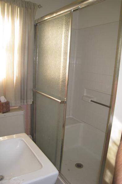 120209_bathroom3