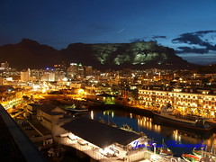 Cape Town at night (jan-krux photography - thx for 1.3 Mio+ views) Tags: africa sky water night lights waterfront soccer south cityscapes capetown va western cape e3 worldcup stadion birdseyeview tablemountain 2010 worldcupstadium zd 1454mm mothercity fifa2010 darkscapes