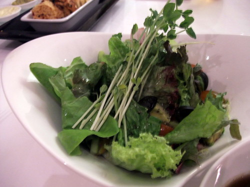 Cameron Highlands Fresh Mesclun Salad with Balsalmic Dressing