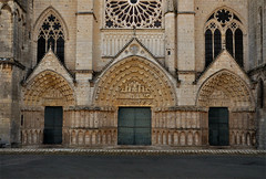 DSC_5155s (antonikon) Tags: city france church monument architecture town nikon europa europe cathedral cathédrale église ville poitiers d90